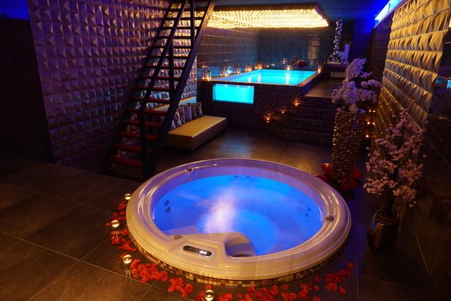 Prive Sauna Met Zwembad.Vip Spa Met Zwembad